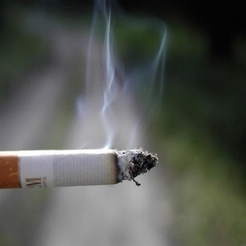 Much does pack Marlboro cigarettes cost Bond