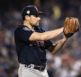 Nathan Eovaldi re-signs with Red Sox