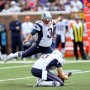 Stephen Gostkowski lifts the Patriots to a win